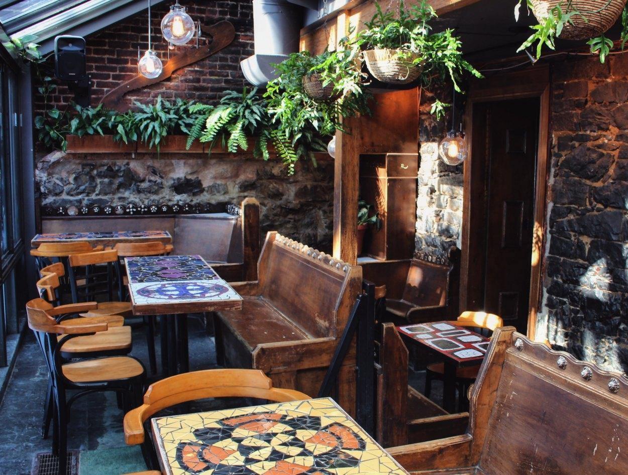 Bar Le Sacrilège - Restaurant Cuisine Pub Food Haute-Ville (St-Jean-Baptiste), Québec