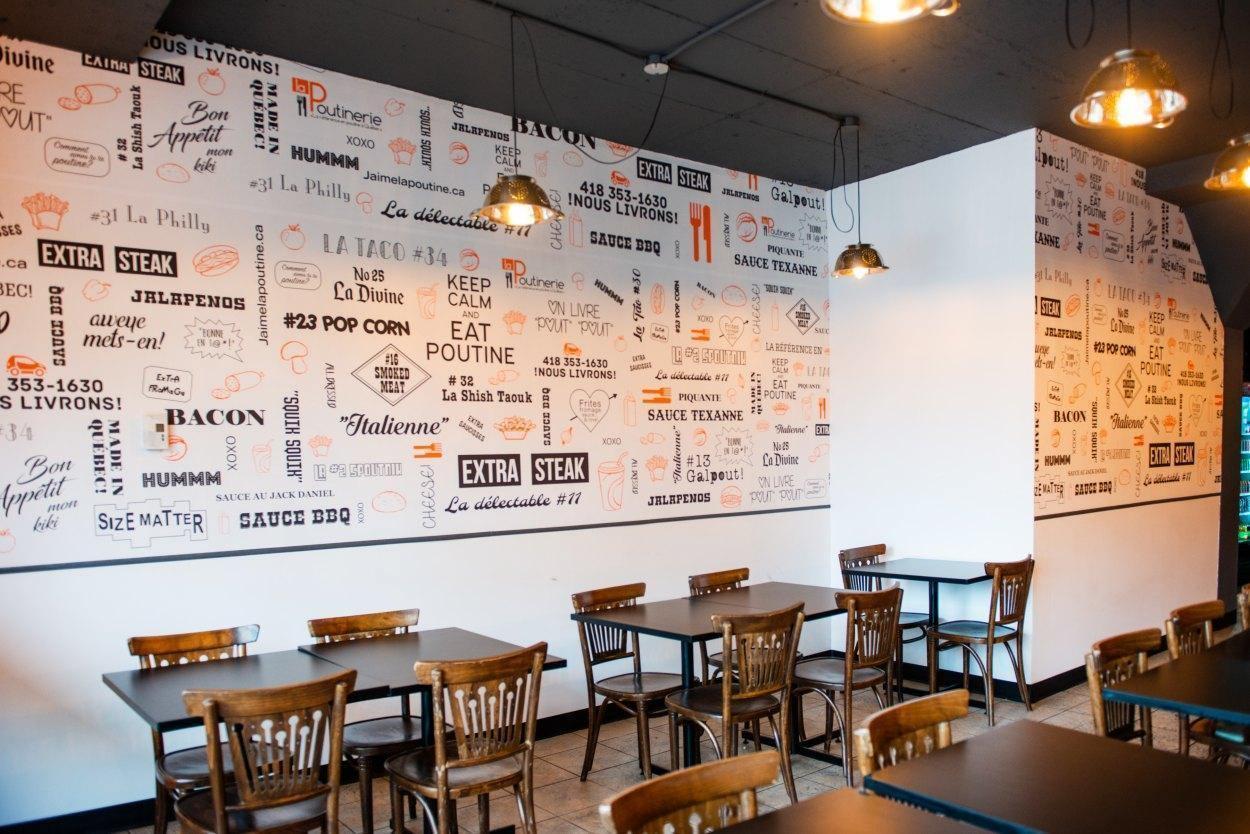 La Poutinerie - Restaurant Cuisine Poutine Saint-Sauveur, Québec
