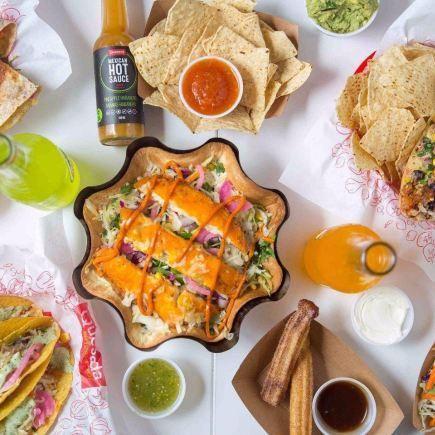 Quesada Burritos & Tacos Restaurant RestoQuebec